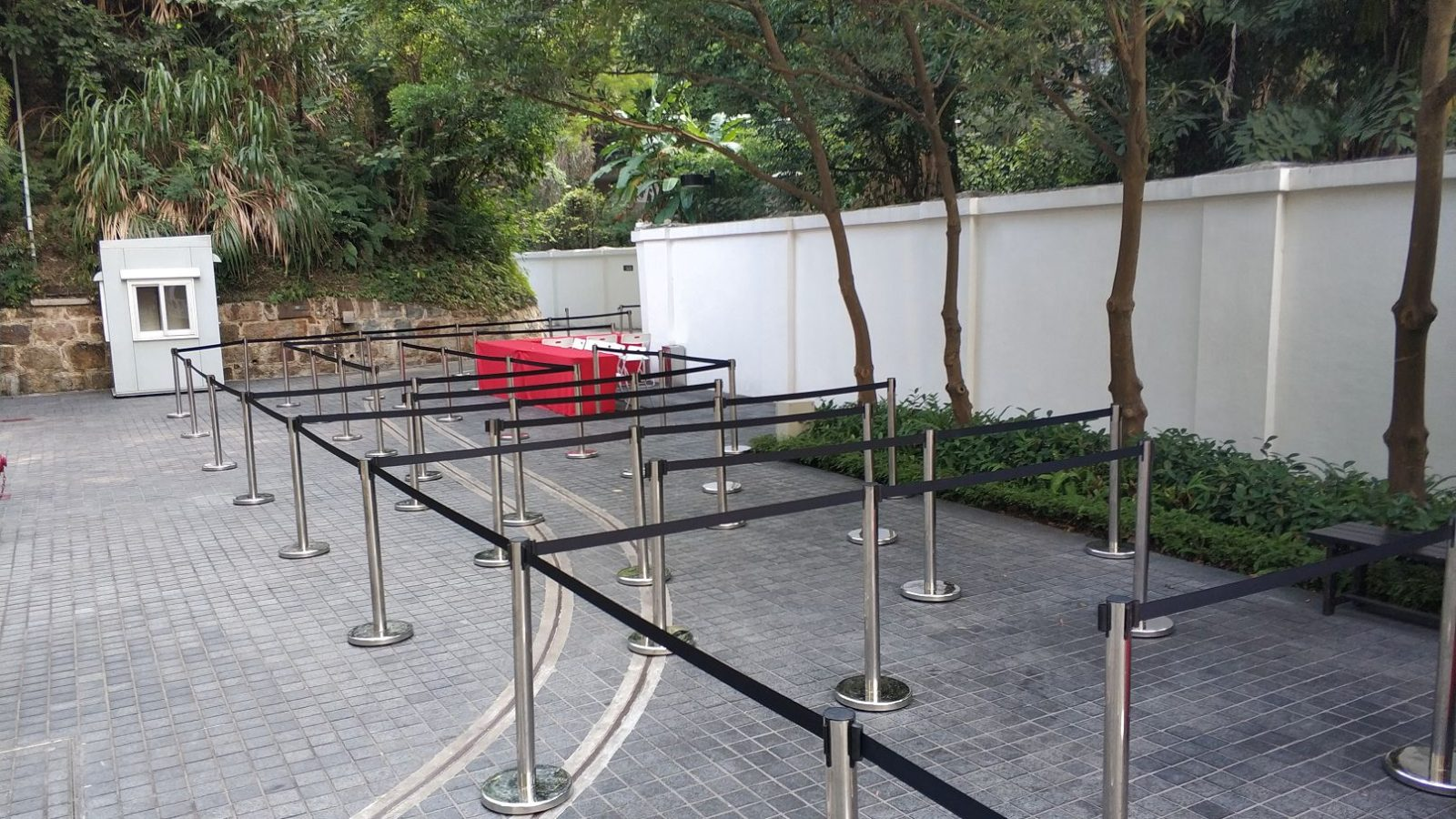排隊柱租用, Stanchion rental